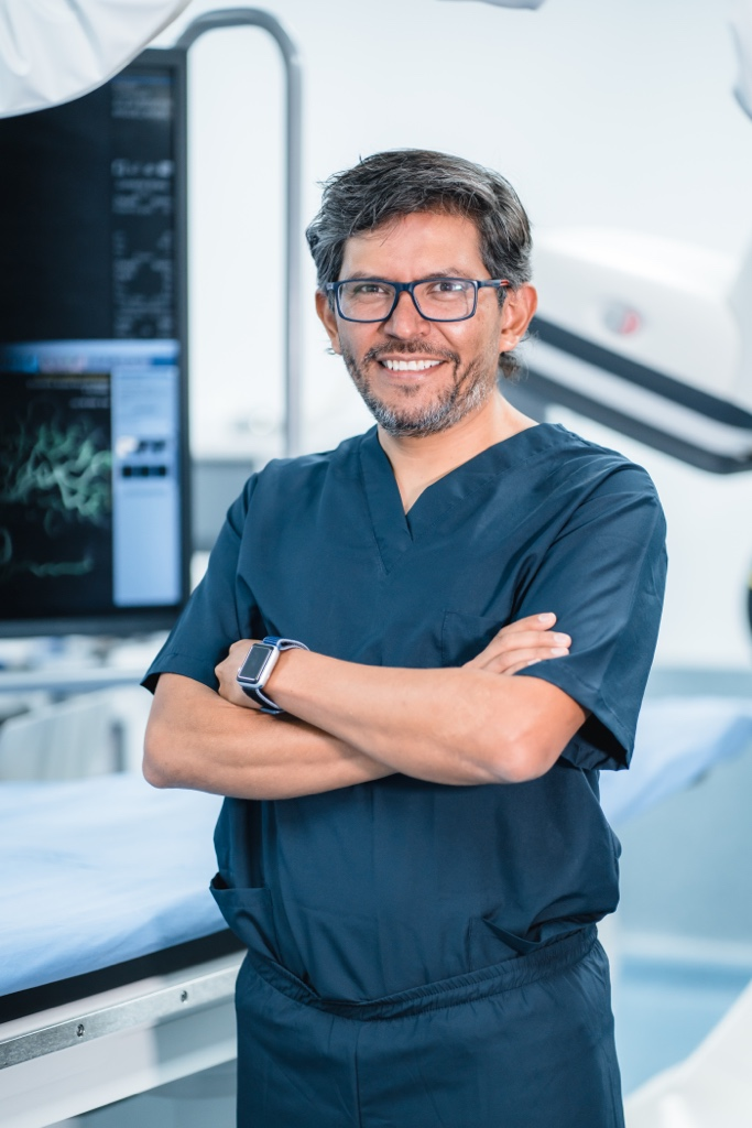 Dr Boris Pabon